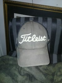 Fitleist Grey and white cap London, N6H 1M9