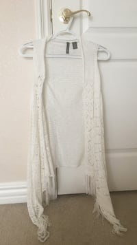 Lace white sleeveless cardigan - size woman's small - looks brand new