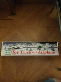 Hess truck 2002 you truck and airplane  Parsippany-Troy Hills, 07034