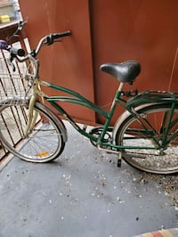 single-speed bicycle. Very springy seat. Smoothe r Hamilton, L8E 2X1