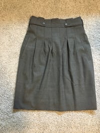 Women's gray BCBG skirt Calgary, T3H