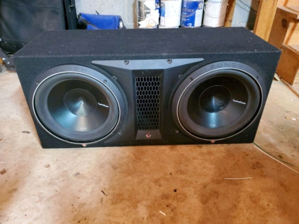 12 inch Rockford Fosgate P3 subs in ported box