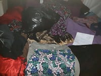 5 bags of clothes womans and mens  730 km