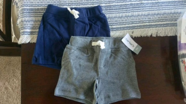 Carter's 9 month Pull on shorts