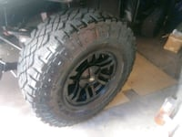 for sale 4tires and rims 33x12.5x15 gd year duratr
