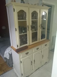 Heavy 2 piece buffet, good for project {Length is 4f and hight is 5f 70 inch} La Prairie