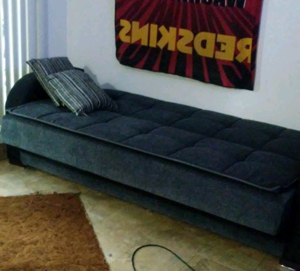 Convertible couch/sleeper sofa