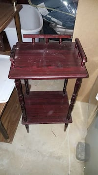 Small side table East Fallowfield Township, 19320