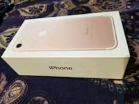 Rose gold iPhone 7 (Rogers) 32g  Grimsby