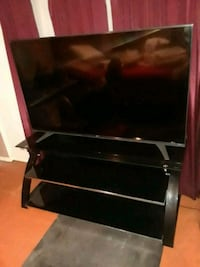 TV and Stand 60 Inch LG Smart TV Pharr, 78577