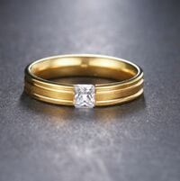 Brand-new gold-colored diamond ring size11 Henderson, 89011
