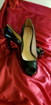 Black Patent leather Pump 8.5 GUESS- NEW West Islip, 11795