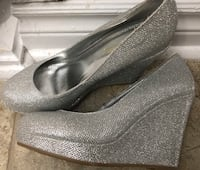 Size 7 silver shoes -used once for bride Toronto, M2J