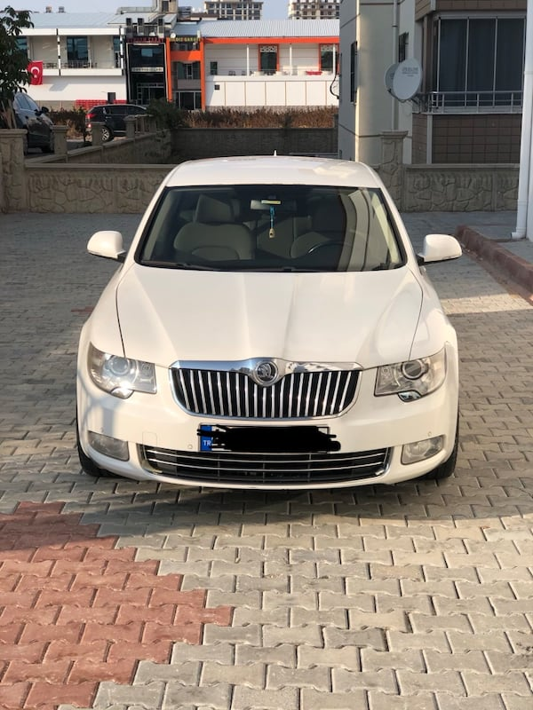 2012 Skoda Superb 1.4 TSI 125 HP ELEGANCE 0