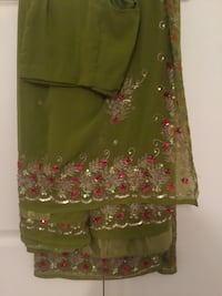 Green and pink saree  with blouse  43 km