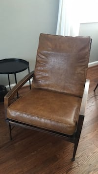 Mid century faux leather chair Alexandria, 22304