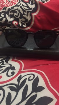 black Ray-Ban wayfarer sunglasses with case Daly City, 94015
