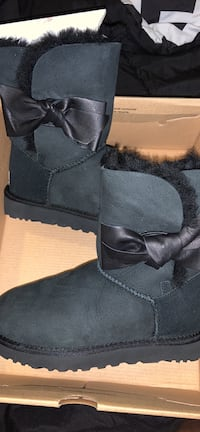 Black uggs Capitol Heights, 20743