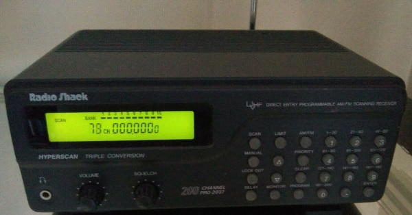 Radio Shack PRO-2037 200-Channel VHF/UHF Scanner w/ Triple Conversion  Hyperscan  I trade up  Meet at Burger King on Belair Road next to I-20 at  Exit