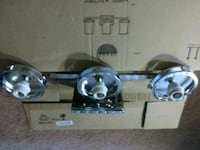 3 light wall fixtures (3) Oxon Hill, 20745