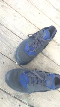 pair of blue-and-black Nike basketball shoes Carencro, 70520