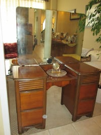 Middlesex SOLID WALNUT Vanity W/ Mirror FREE BENCH Whitchurch-Stouffville