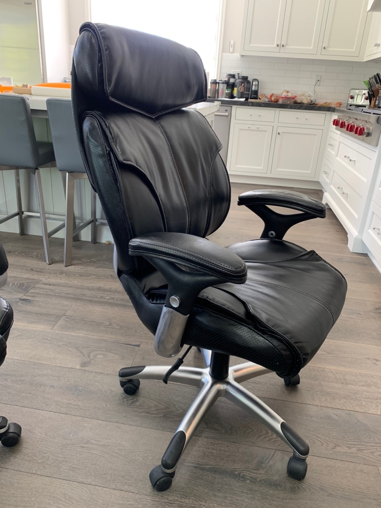 True Innovations Premium Leather Office Chair   Super Comfortable!
