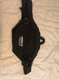 ADIDAS SIDE BAG // 9/10 condition  Whitby, L1R 2M4