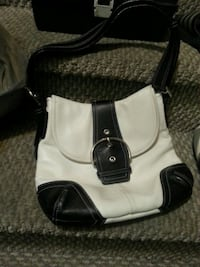 Black and white purse  Calgary, T2W