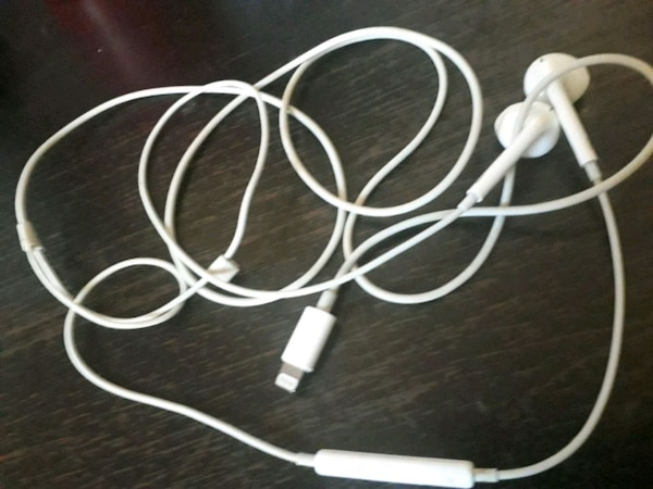 Headphone APPLE 100kr
