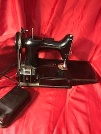 Early Singer sewing machine  Berwyn, 19312