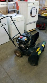 24 self-propelled electric start snowblower Mississauga, L4X 1R1