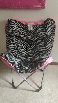 Pink black and white folding chair 10.00 Fargo