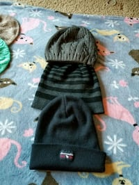 Mens or youth boys toques  3690 km
