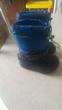Size 8 Columbia Winter Boots