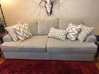 Couch Reno