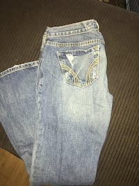 Hollister size 0 distressed