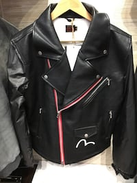 black leather zipped jacket 纽约市, 11354