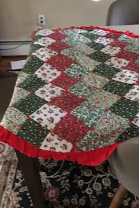 Hand Quilted Christmas table topper Medway, 02053