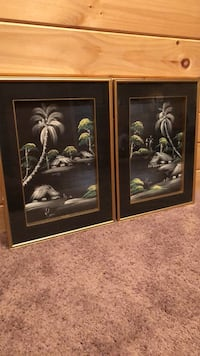 Beautifully framed in gold -set of 2 Monrovia, 21770