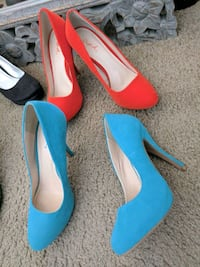 pair of blue and orange pointed-toe pumps San Jose, 95126