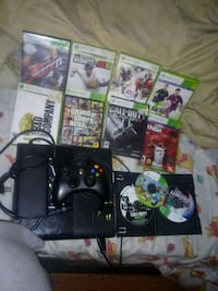 Xbox 360 console with controller and 11 games  Rialto, 92376
