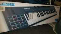 Alesis music production keyboard VI61 Philadelphia, 19133