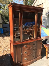 Lovely Classic Vintage China Cabinet  517 mi