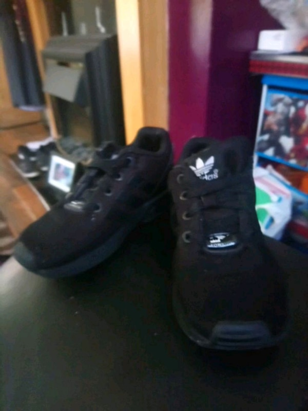 63d380ac8596 Used Adidas flux for sale in West Yorkshire - letgo