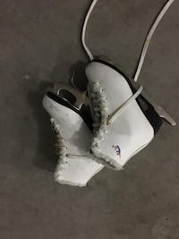 Figure skates female size 35 Surrey, V3X 1E7