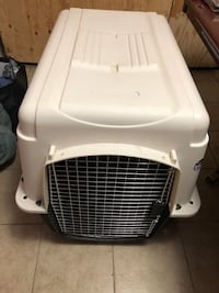 White and black pet carrier Skokie, 60076