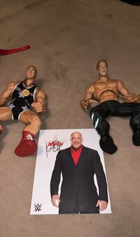 Big wrestler figures with autographed picture of Kurt angle Toronto, M9A 4M8