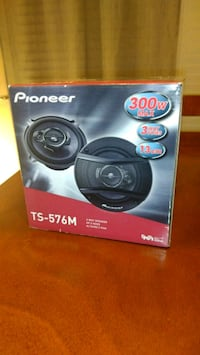 Brand New Pair Pioneer 5.25 Car Speakers