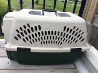 White and green pet carrier Toronto, M2M 0A5